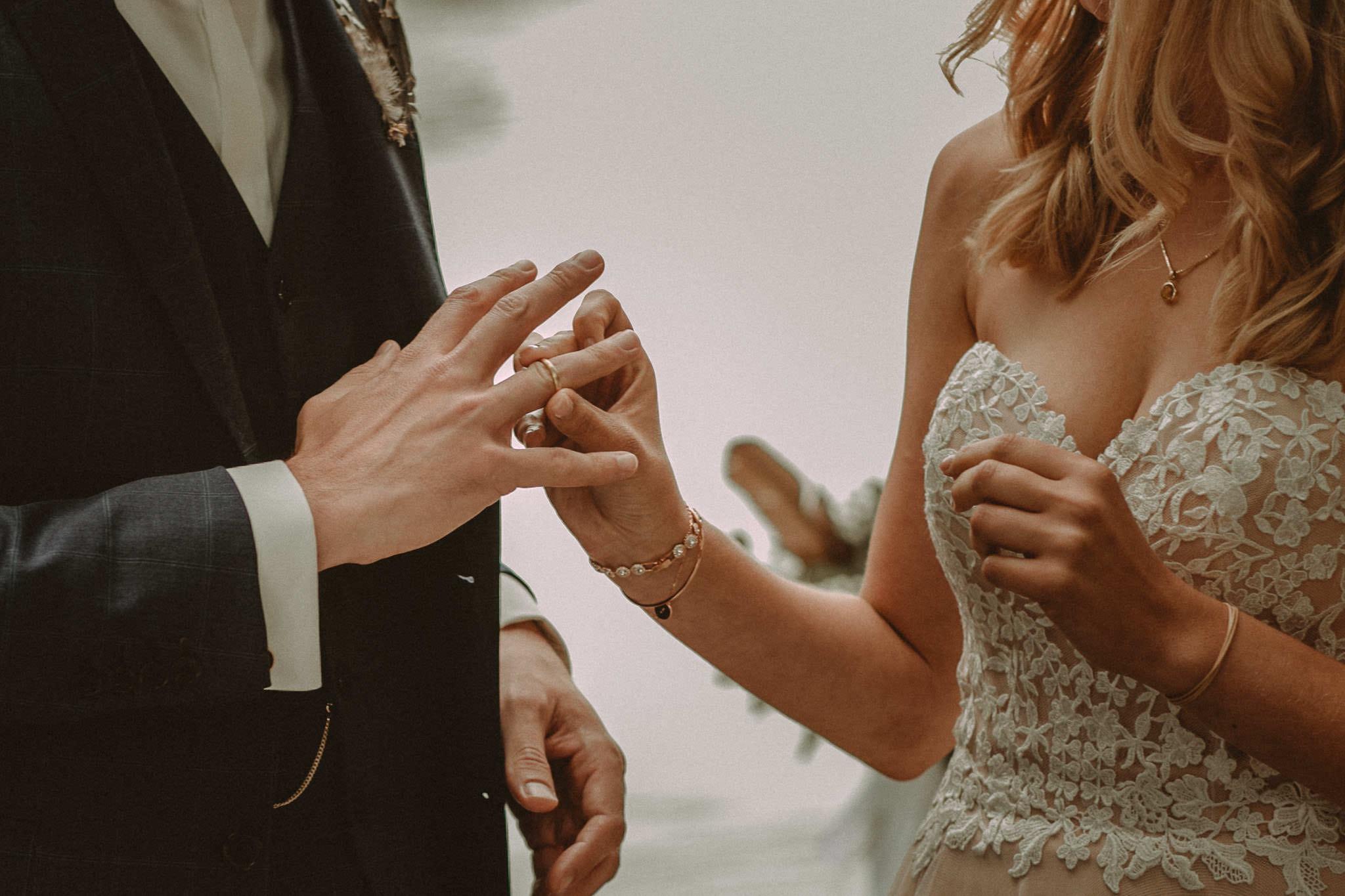 Wedding_in__Switzerland_Bringmesomewherenice_141