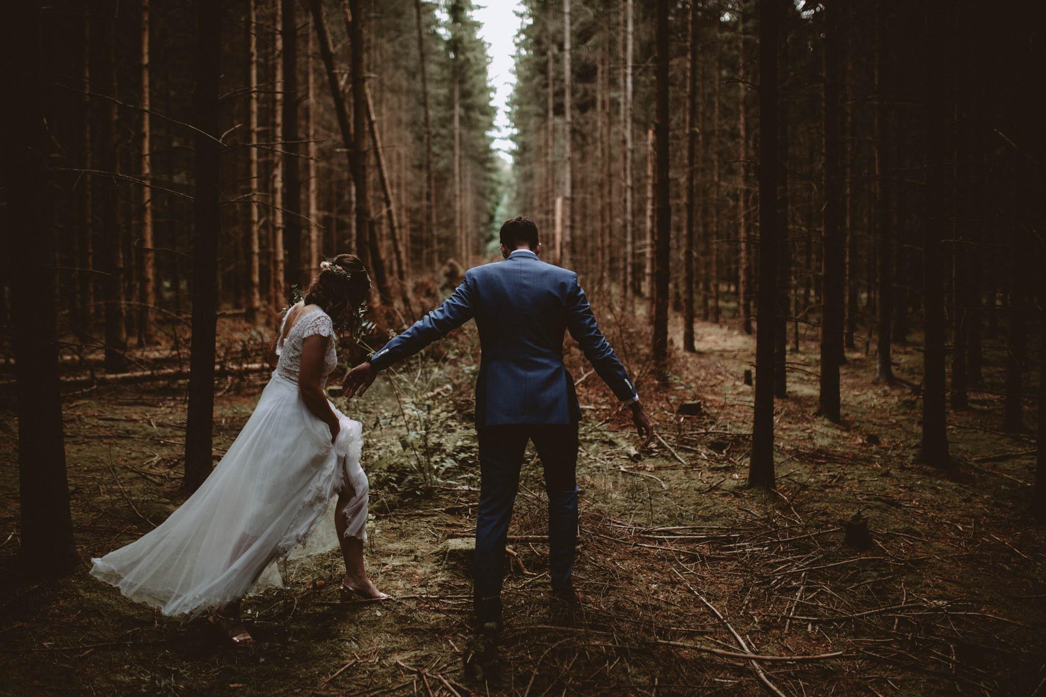 Brautpaarshoot in Schmetterlingsgarten, Jakobshagen, Brandenburg